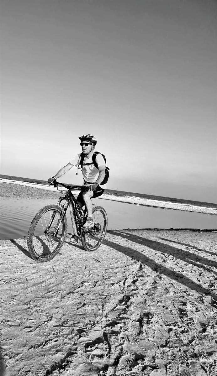 אופניים בחוף